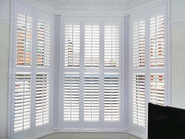 Bay window shutters perfect shutters north west uk for 12 window shutters