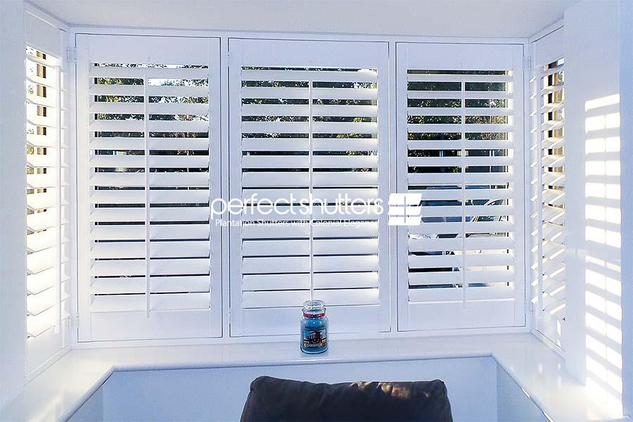 Open bay window shutters