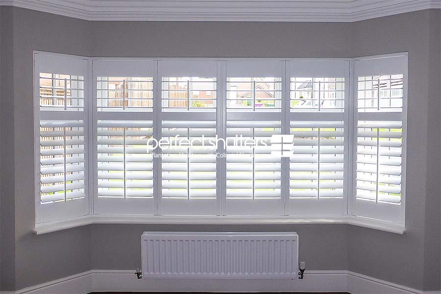 Traditional bay window shutter design